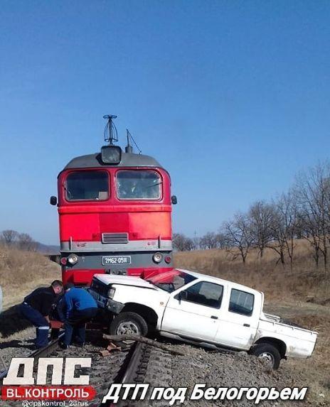 В Белогорье на авто наехал тепловоз