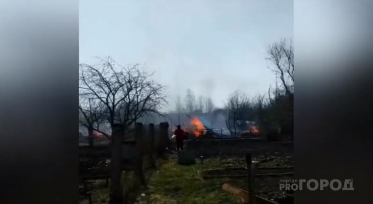 В Чувашии сгорели сразу несколько дач