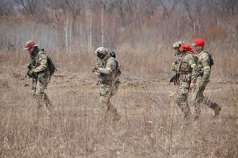 Для игры «в войну» на полигон под Благовещенском пригнали несколько БМП