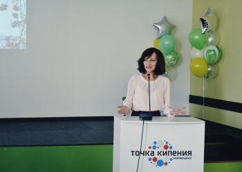 Маяковский и Крылов на японском, песни из аниме и сочинение про котиков