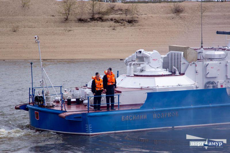 Два сторожевых корабля отправились в первое в этом году плавание по Амуру