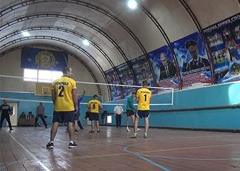 Военные построили универсальный спортзал в Белогорске
