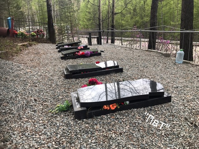 На кладбище в Тынде разгромили десятки надгробий