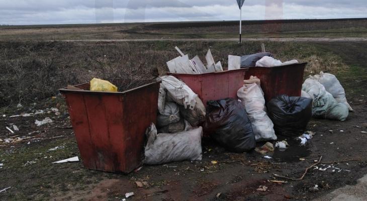 Жители Урмарского района проходят полкилометра, чтобы выбросить мусор