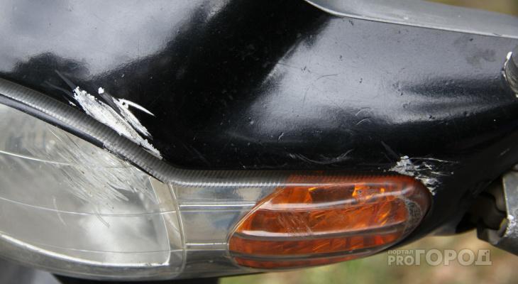 В Чувашии в ДТП пострадал бесправный водитель скутера