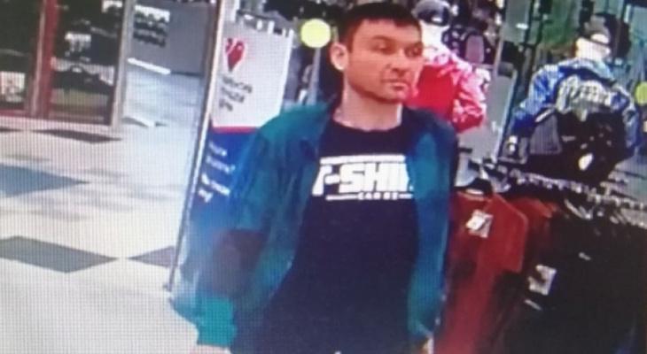 Чебоксарская полиция ищет мужчину, подозреваемого в краже из торгового центра