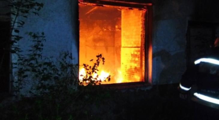 В Новочебоксарске в загоревшемся бесхозном здании найден труп