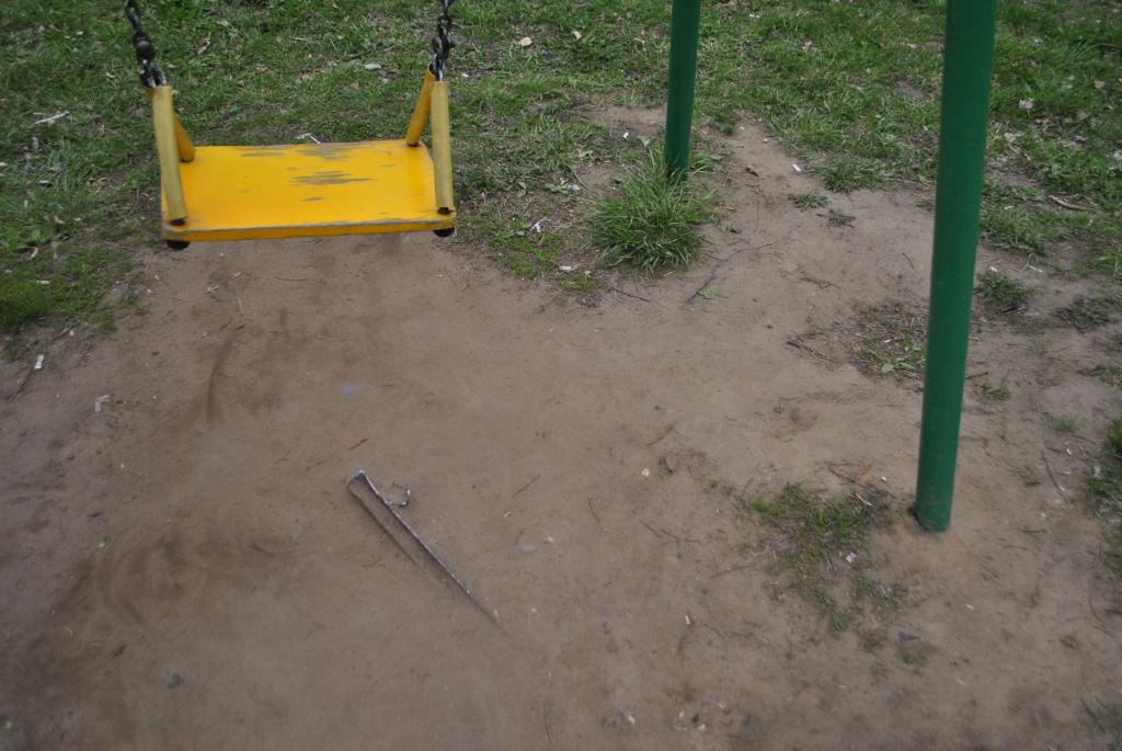 В Новочебоксарске на детской площадке торчала арматура до обращения