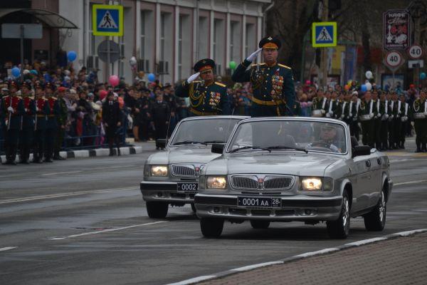 Огнеметные системы «Солнцепек» и квадроциклы участвовали в параде в Белогорске