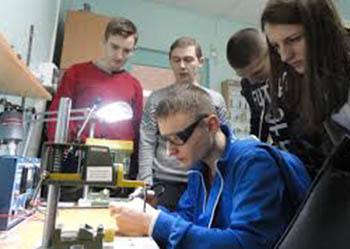 Любознательных амурчан зовут на «научную смену» по робототехнике