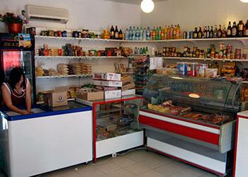 Жителям Октябрьского района продавали просроченную колбасу