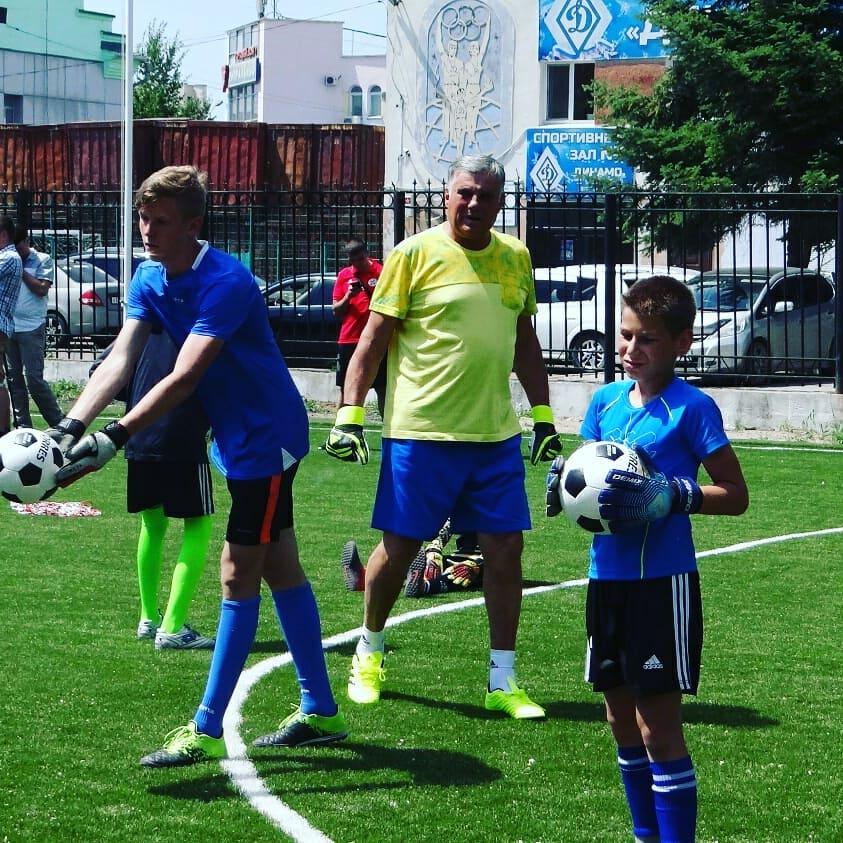 Экс-голкипер ФК «Амур» провел тренировки с юными благовещенцами
