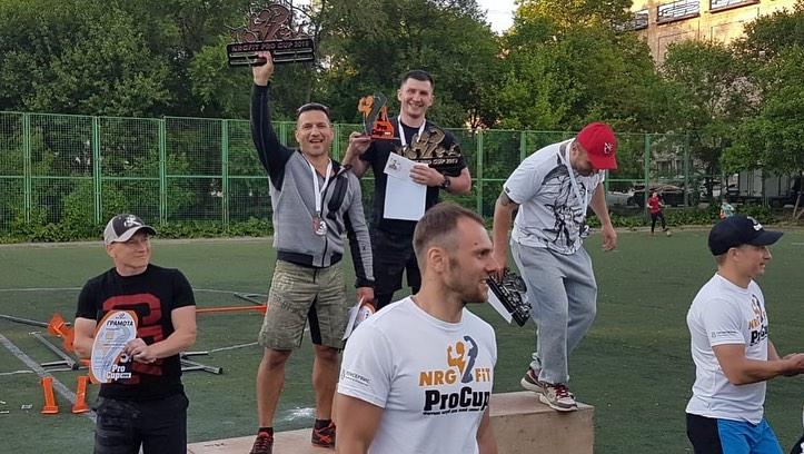 Двое амурчан стали лучшими на турнире по кроссфиту во Владивостоке