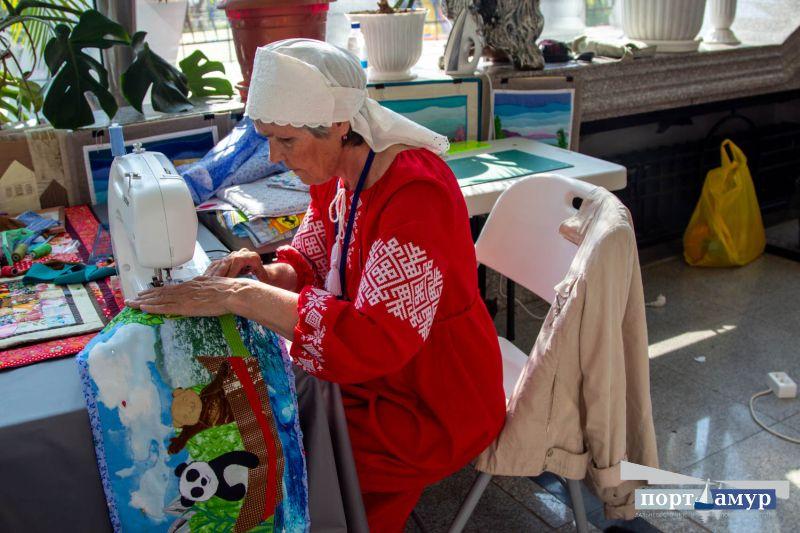 «Лезгинка» из Дагестана, «Гжель» и мастера со всего Дальнего Востока