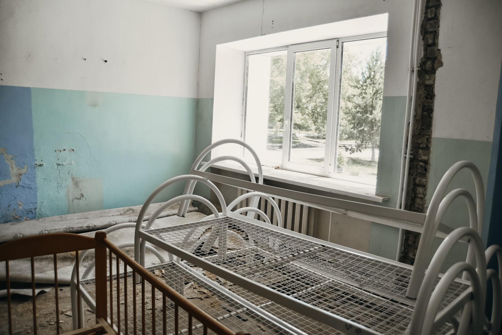 В Константиновке идет ремонт детского отделения больницы