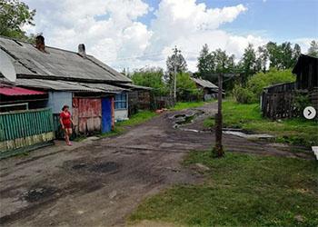 Новая база в Свободном превратила территорию жилого дома в болото