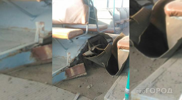 В Чебоксарах взрыв разрушил салон троллейбуса
