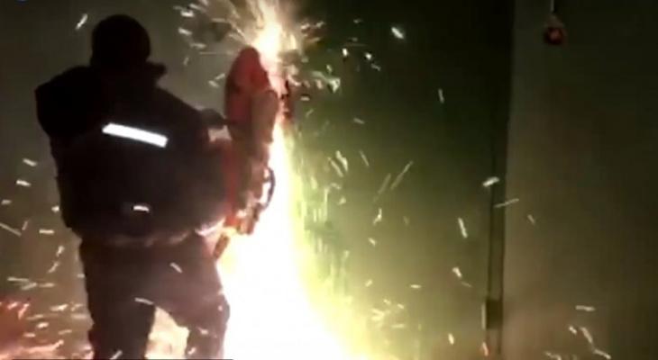 Появились кадры работы спецназа при захвате подпольного клуба в Чебоксарах