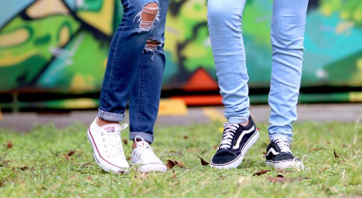 Студент возмутился запретом на модные рваные джинсы