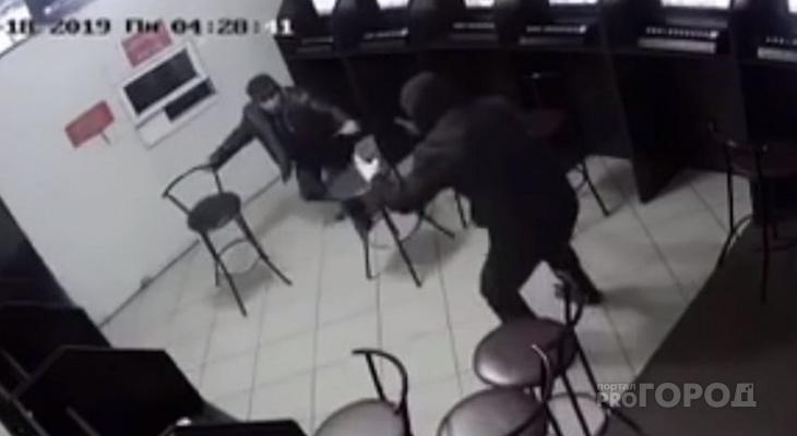 Грабителя игрового салона в Шемурше отправят в колонию строгого режима