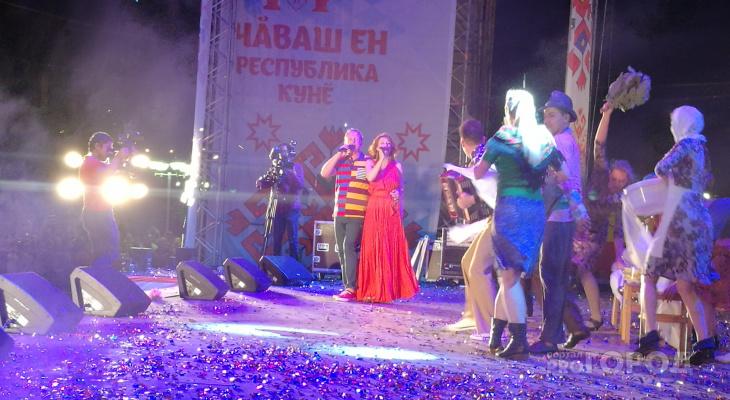 Рыбин и Сенчукова раскачали финал фестиваля фейерверков в Чувашии