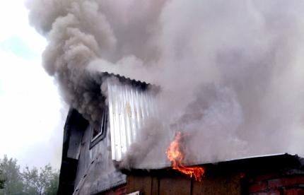 В МЧС назвали предварительную причину пожара на проспекте Мира