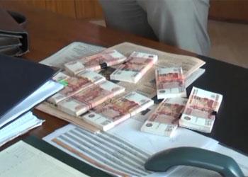 Четыре транспортных компании оштрафовали за взятки бывшему главе амурского Госавтонадзора