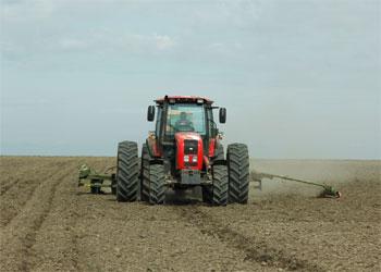 Амурские аграрии пытаются наверстать отставание по посеву сои