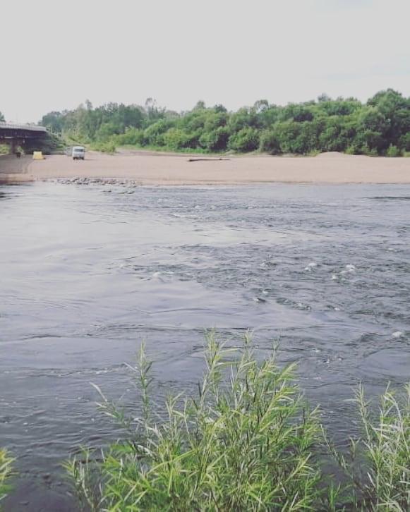 К поискам утонувшей в Архаре 11-летней девочки привлекли водолазов