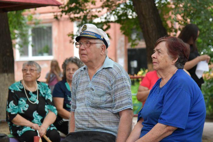 День рождения дома отметили жители благовещенской пятиэтажки