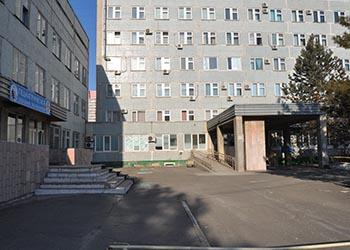 Амурские больницы в районах, где введен режим ЧС, усилили меры безопасности