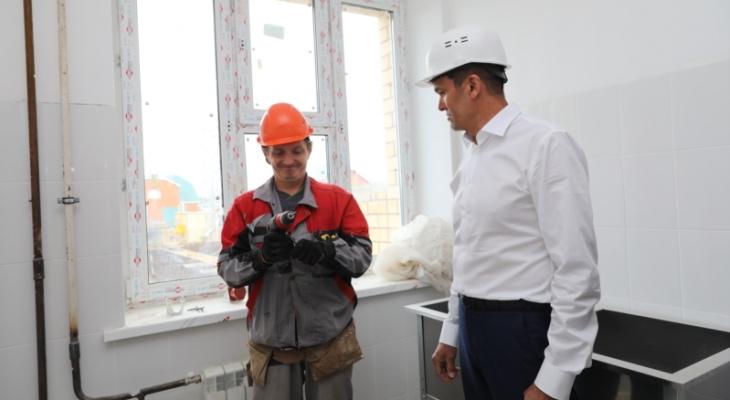 Игнатьев приехал в Комсомольский район и оценил жизнь людей