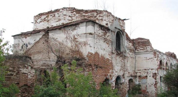 Старинная церковь в Алатыре оказалась никому не нужной
