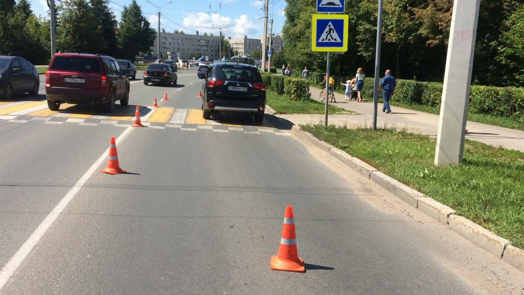 В Новочебоксарске на забре сбили 12-летнюю девочку