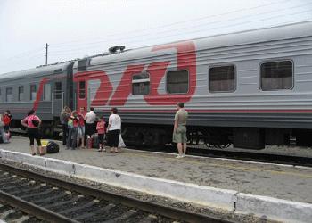 Мощные ливни привели к задержке пассажирских поездов в Приамурье
