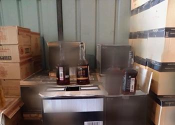 Амурчанин попался на продаже контрафактного алкоголя