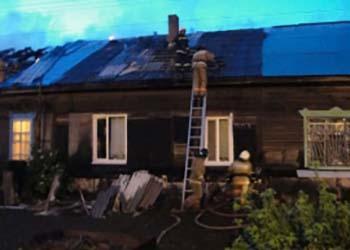 В Уруше из горящего дома спасли женщину