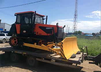 Зейский лесхоз получил новые тракторы и посадочную машину
