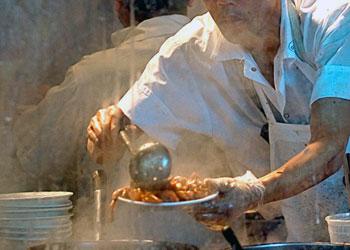 Амурских заключенных начали обучать на поваров
