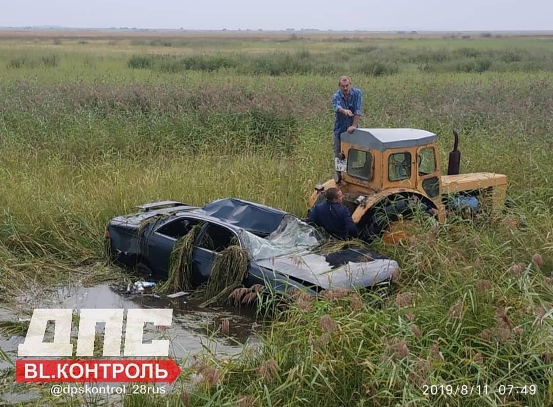 В Тамбовском районе машина слетела с дороги и перевернулась