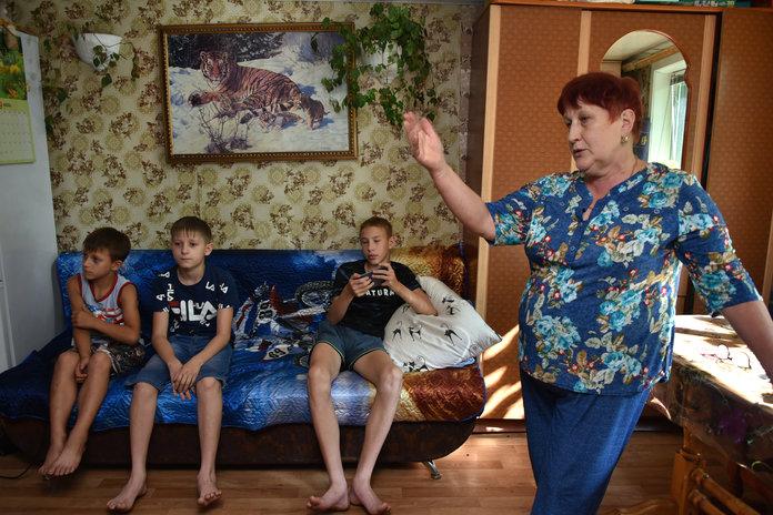 Пожилая амурчанка с тремя внуками надеется на помощь земляков