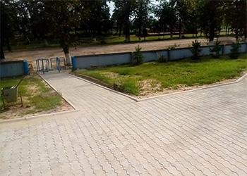 В селе Ромненского района уложили тротуарную плитку на 1,2 миллиона рублей