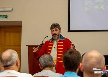Благовещенцам показали стрелецкий костюм XVII века