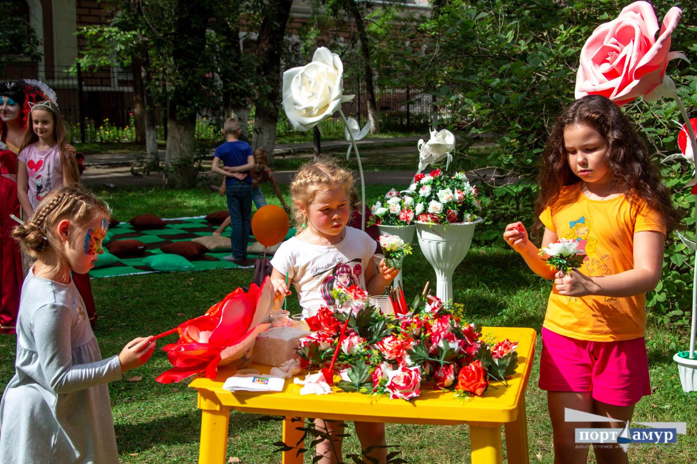 Твистер, танцы и карусели: Горпарк Благовещенска отмечает 130-летие