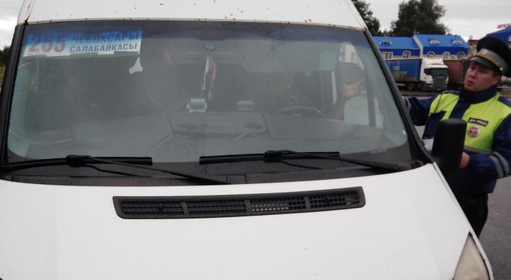 Во время рейда инспекторы ГИБДД проверили 40 автобусов