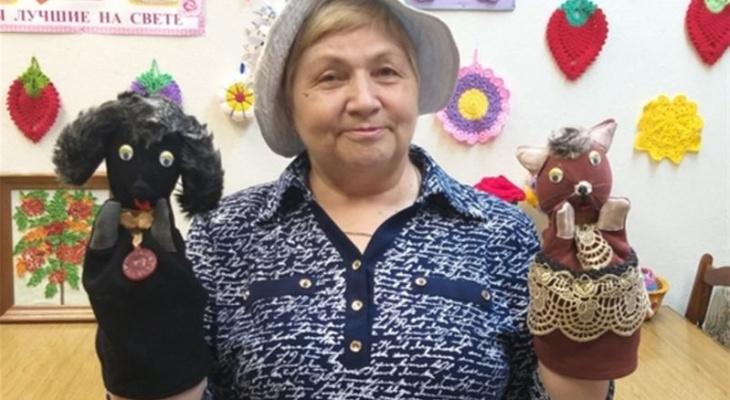 Жительница Чувашии шьет куклы для пальчикового театра детям-сиротам