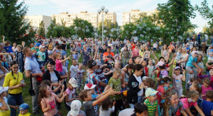 В двенадцати районах Чебоксар на День города появятся концертные площадки