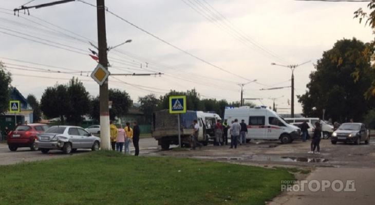 В Чебоксарах ГАЗель сбила двоих пешеходов