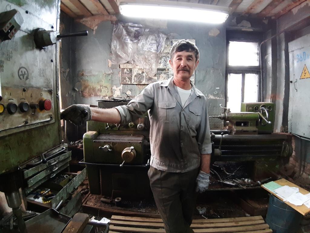 Дядя Артема Дзюбы является лучшим токарем и живет в Цивильске