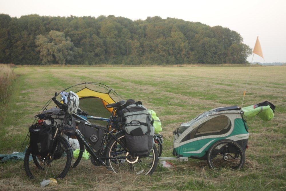 Чувашским велопутешественникам по пути в Нидерланды пришлось пересесть на поезд